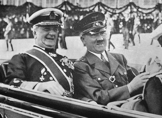 Miklós_Horthy_and_Adolf_Hitler_1938 wikipedia