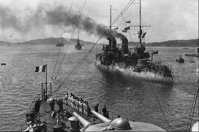 navios franceses no estreito de dardanelos