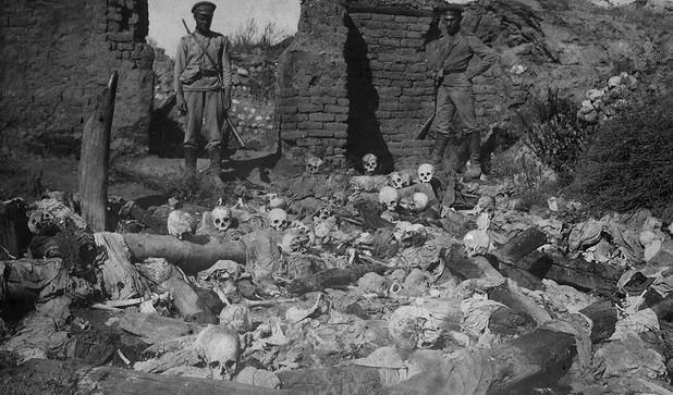 ossadas de arménios queimados vivos pelos otomanos em 1915. Acervo the armenian genocide museum-institute