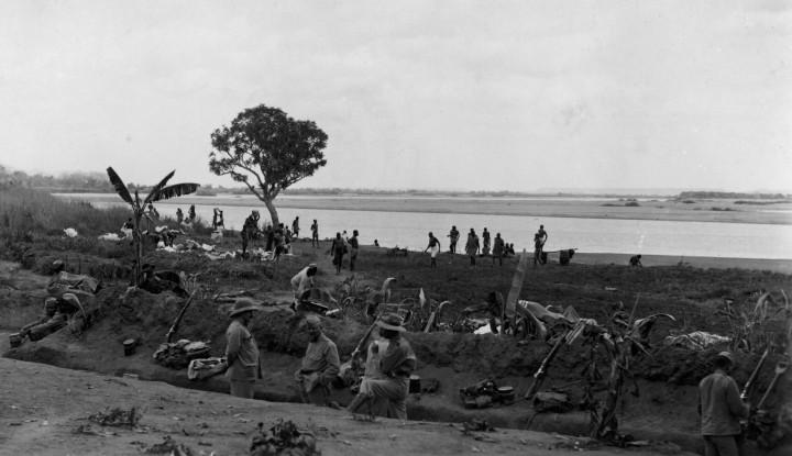 Trincheiras junto ao Rio Rovuma ARQUIVO HISTÓRICO MILITAR