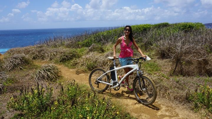Melhor forma de conhecer a ilha: pedalando.